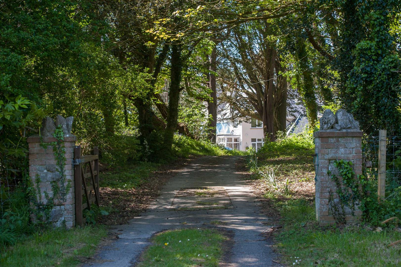 Bendrick Drive, Southgate, Swansea, SA3 2AL
